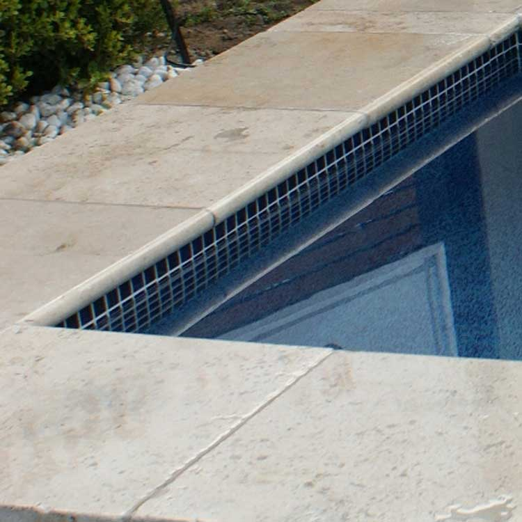 Display Pool 1 - Travertine Paperbark, Sapphire Glow Interior, Sapphire Waterline Tiles