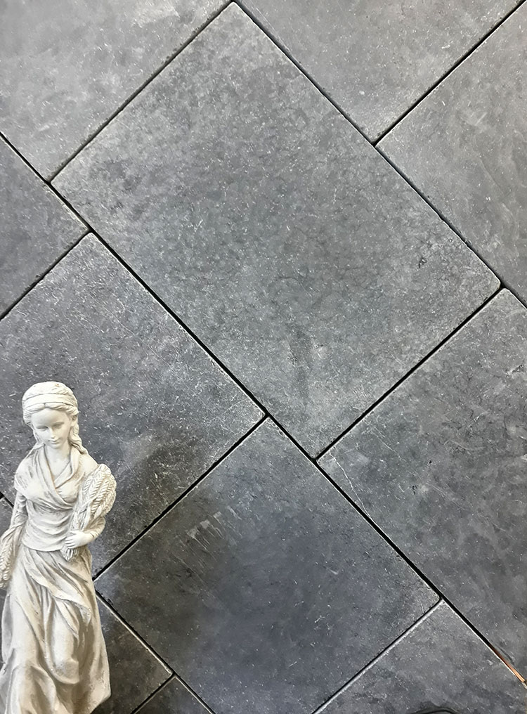 Lavido Tumbled Marble 600 x 400 x 30mm Pavers