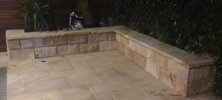 Australian Sandstone 400x200x30mm Rockface Cladding - Quarry Run Colour